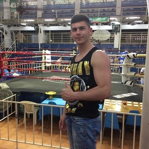 Matteo lido di ostia roma mi chiamo matteo sono un - Allenamento kick boxing a casa ...