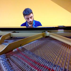 Luca - Collegno,Torino : Compositore e musicista, offro