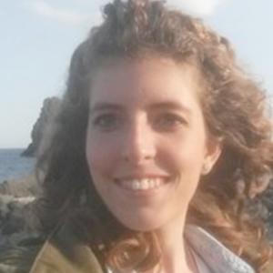 Maria Giovanna Napolinapoli Laureata In Lettere Impartisce