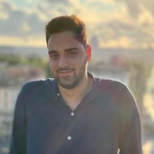 Paolo Roma Roma Studente Di Lingue Appassionato Da Lezioni Di Inglese E Prepara Per Conseguimento Certificati Linguistici Cambridge Pet Fce Ielts