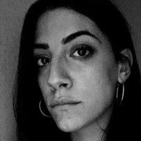 Teresa - Taranto,Taranto : Interprete e traduttrice con anni